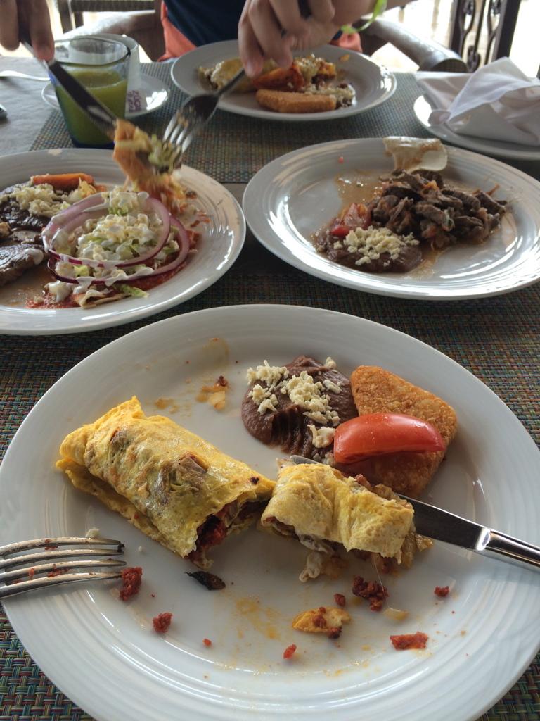 Cancun_April_Dexter209.jpg