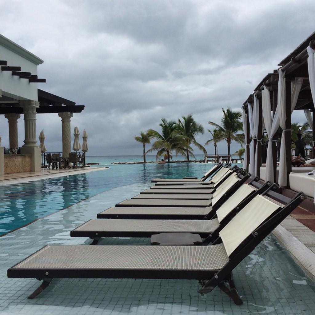 Cancun_April_Dexter205.jpg