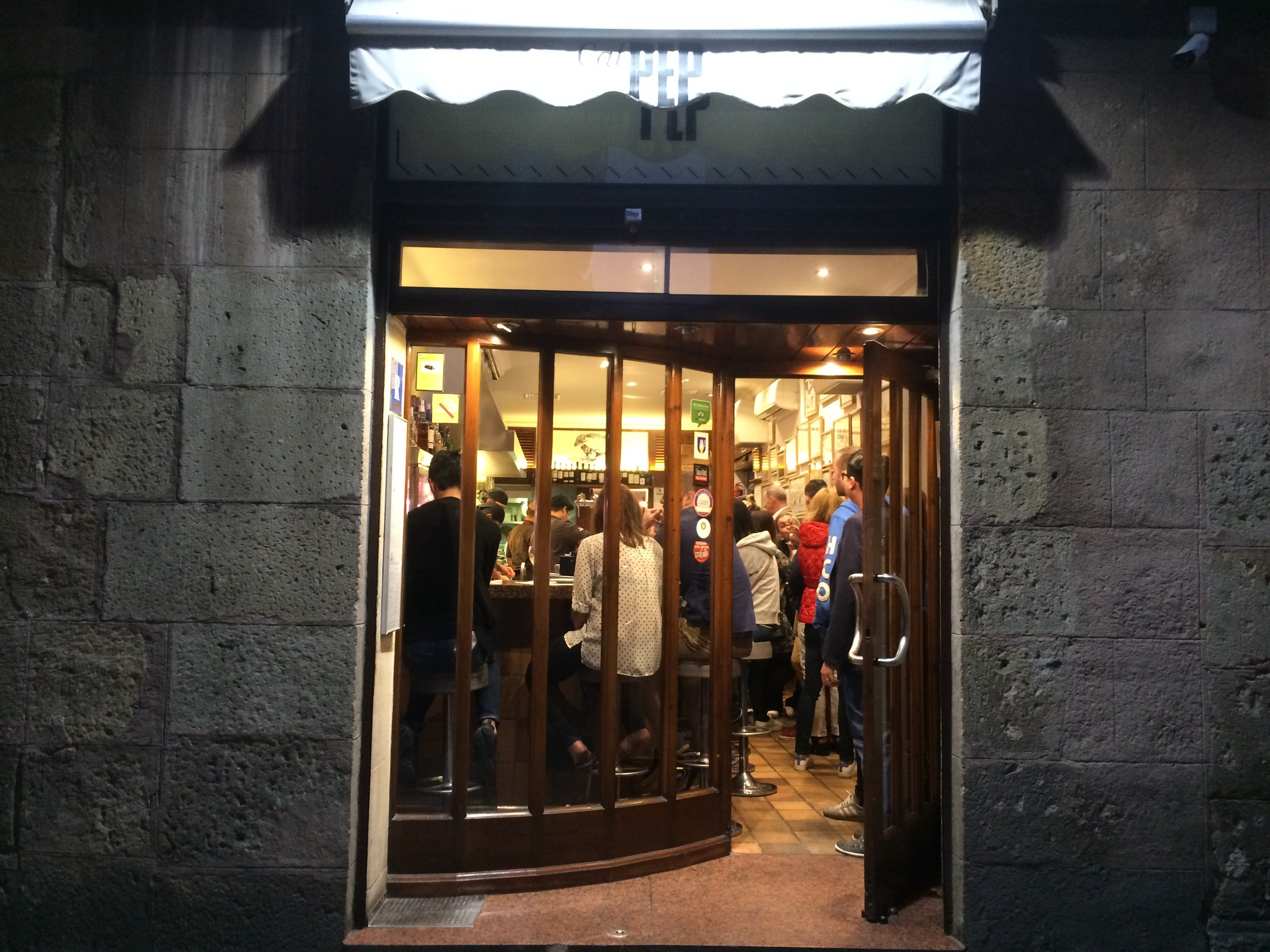 Cal Pep is located between the Gothic Quarter and La Barceloneta.