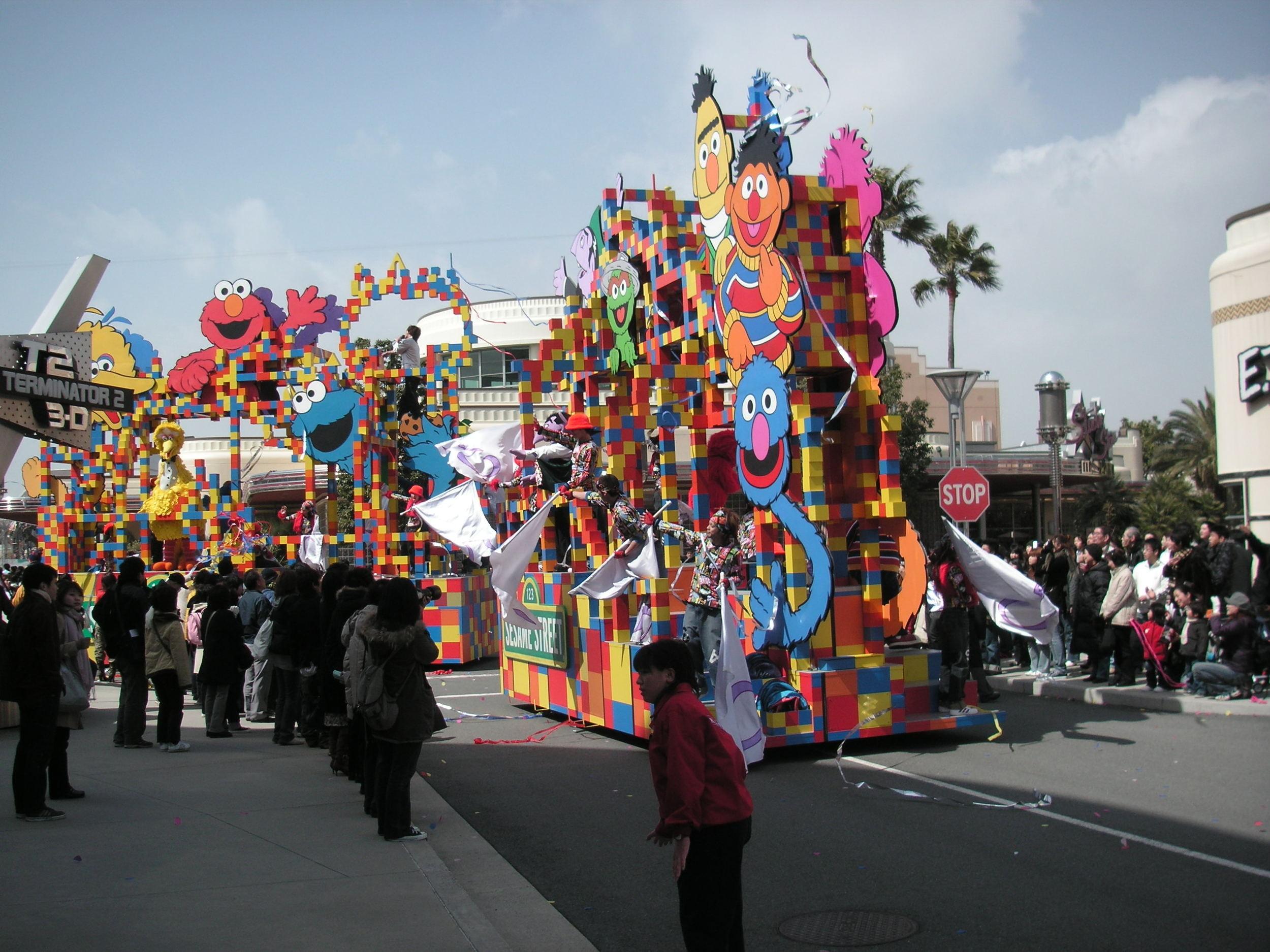 Sesame Street Floats Turning the Corner