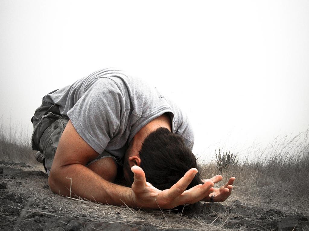 daniel-still-prays-three-times-a-day-christian-wallpaper_1024x768.jpg