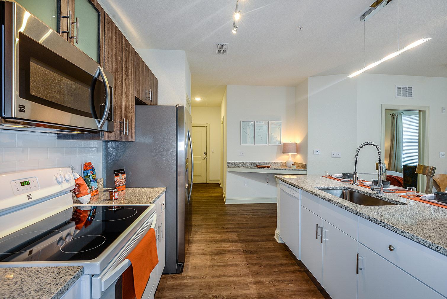 Greystar--EOS-Apartments-8503.jpg