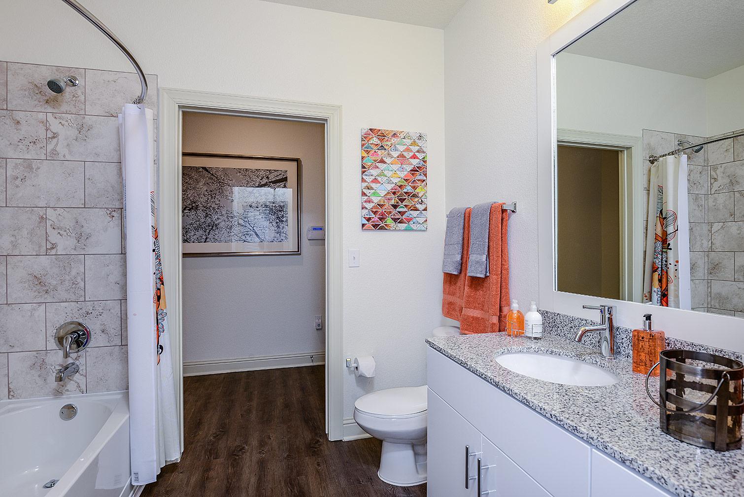 Greystar--EOS-Apartments-8525.jpg