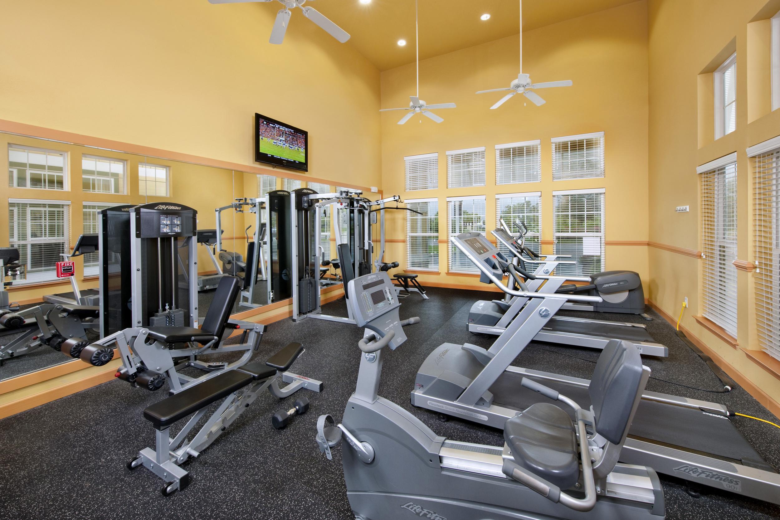 Fitness Center 02.jpg