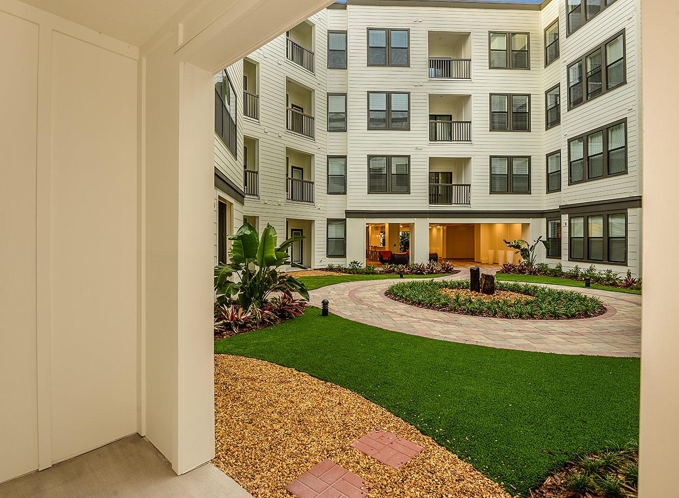 Greystar--EOS-Apartments-8676.jpg