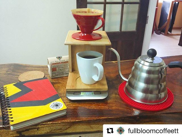 Fresh coffee and ideas flowing at @fullbloomcoffeett  #Repost ・・・ Morning brew ✌️☕ come get yours! #ethiopiasidamo #freshroastedcoffee #fullbloomcoffeett #wakeupandshakeup