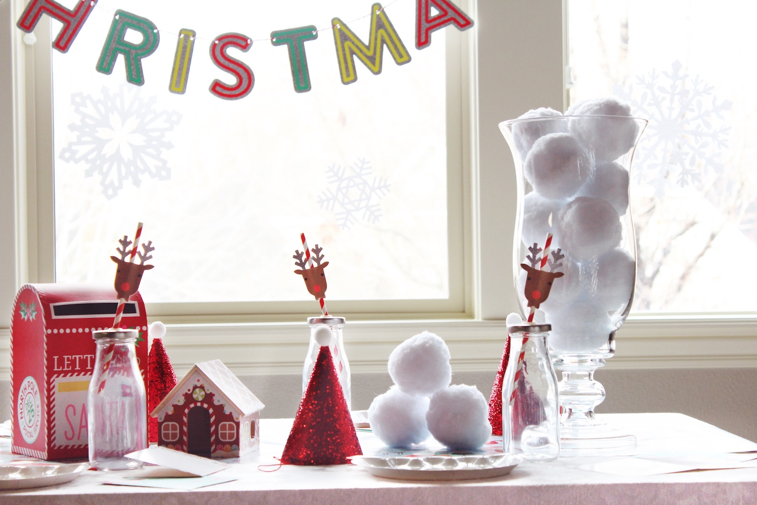 Kids Christmas Tablescape_North Pole Santa Reindeer Party_Decorations_Design Organize Party.jpg