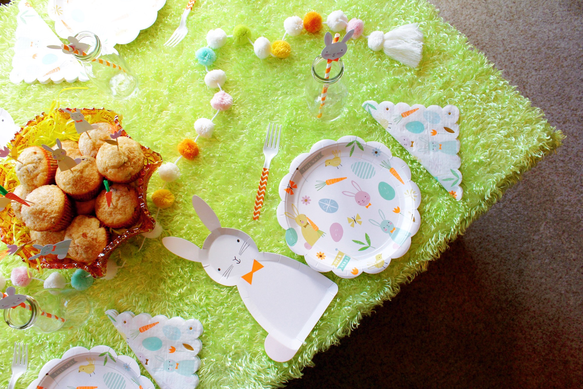 Easter Morning Breakfast_Egg Hunt Place Setting_Bunny_Design Organize Part.JPG