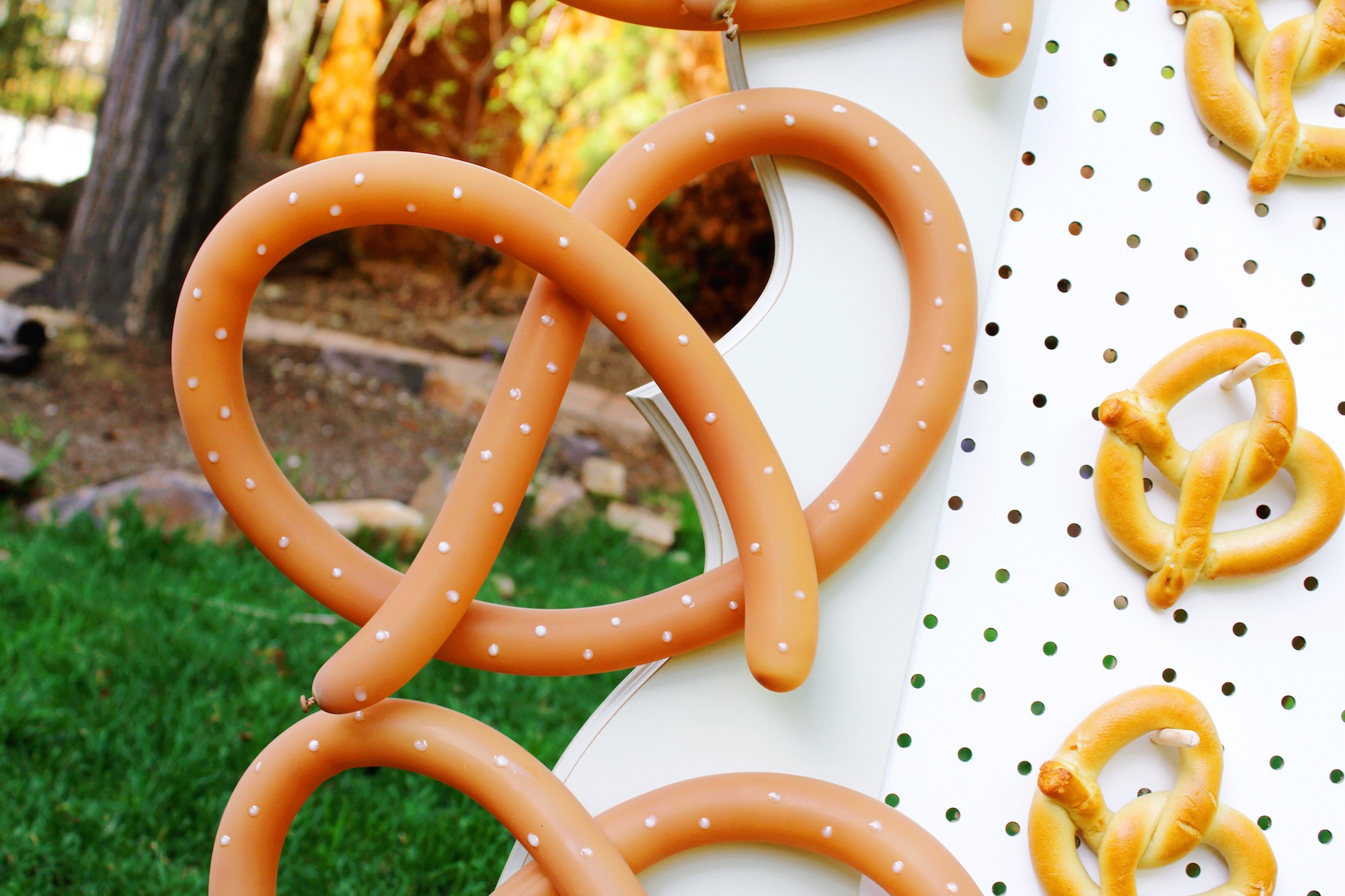 DIY Pretzel Balloon Decorations_Design Organize Party.JPG