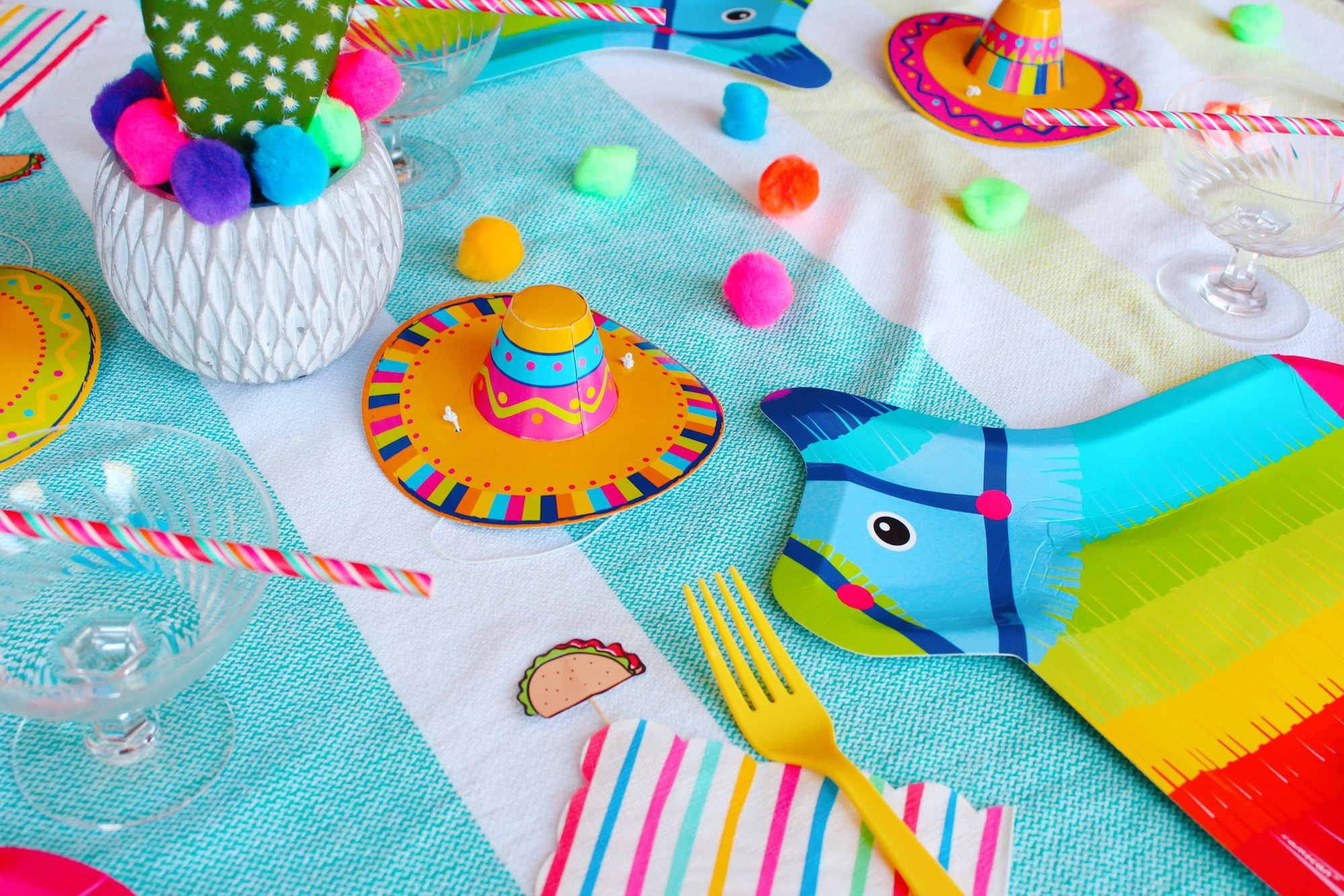 Fiesta Pinata Table Ideas_Design Organize Party.JPG