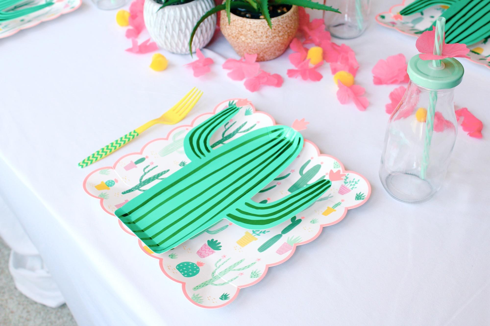 Cactus Paper Plates_Meri Meri_Design Organize Party.JPG