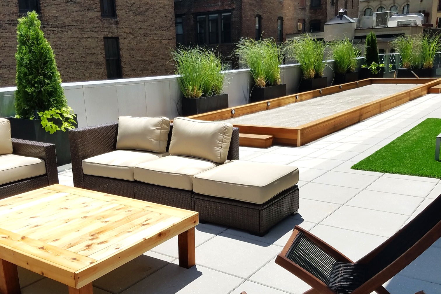 Design+Build - Rising Gardens works with homeowners, architects, designers and real estate developers on full-scale landscapes that include custom carpentry, masonry, irrigation, lighting and soft-scaping.