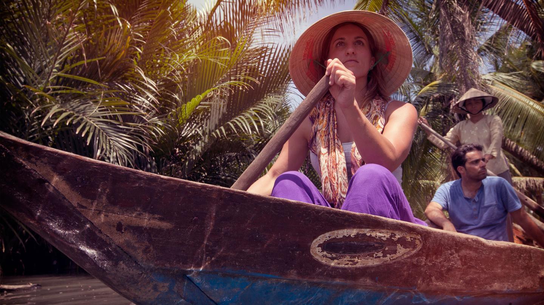 itinerary_lg_Vietnam-Mekong-Delta-Canoe-Travellers-Brooke-Ricardo-Ruth-Murphy-2012-IMG5347-Processed-Lg-RGB-web (1).jpg
