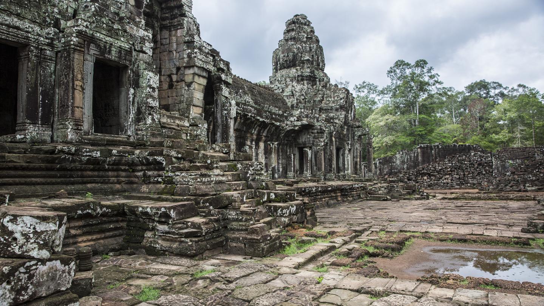 itinerary_lg_Cambodia_Siem_Reap_Angkor_Wat_Ruins_-_IMG9264_Lg_RGB (1).jpg