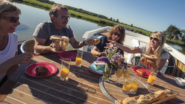 itinerary_lg_2France-Tournus-Boat-Deck-Breakfast-Sunrise-Group-CEO---MG1497-Lg-CMYK.jpg