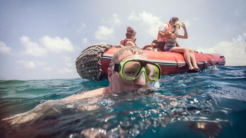 itinerary_lg_Ecuador-Galapagos-Snorkelling-Zodiac-Traveller-Alan-Stephanie-Kretzschmer-2013-IMG0149-Processed-Lg-RGB-web.jpg