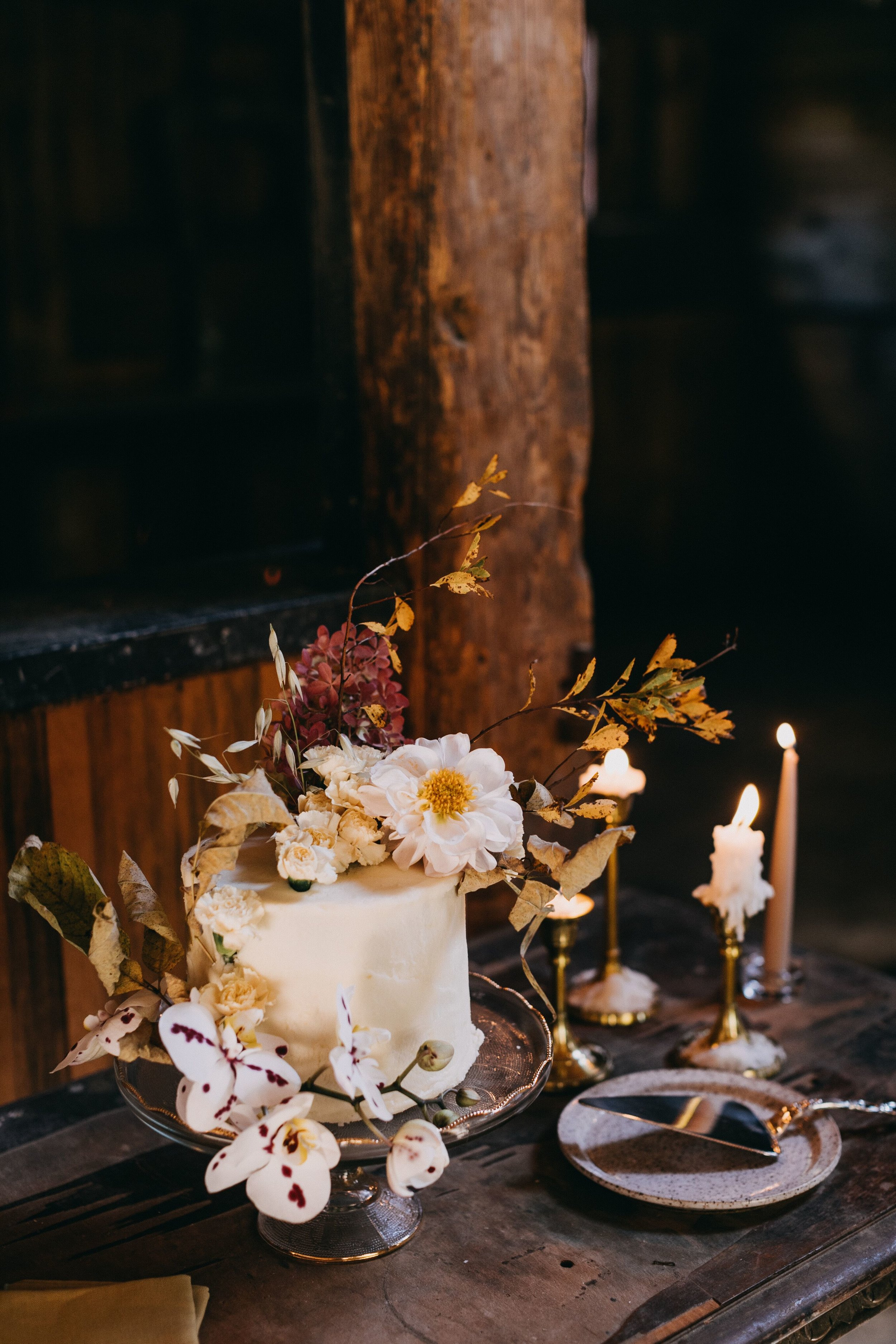 Squire Tarbox maine wedding venue wedding cake inspiration.jpg