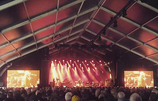 My first time seeing @ambroseire live. Intense, fat, beautiful and honest. I'll be back for more. And oh, i need more string quartets in my life 👈@mivosquartetfour #hiphop #jazz #classical Big props to the soundguy 👈 @jazzmiddelheim #parkdenbrandt