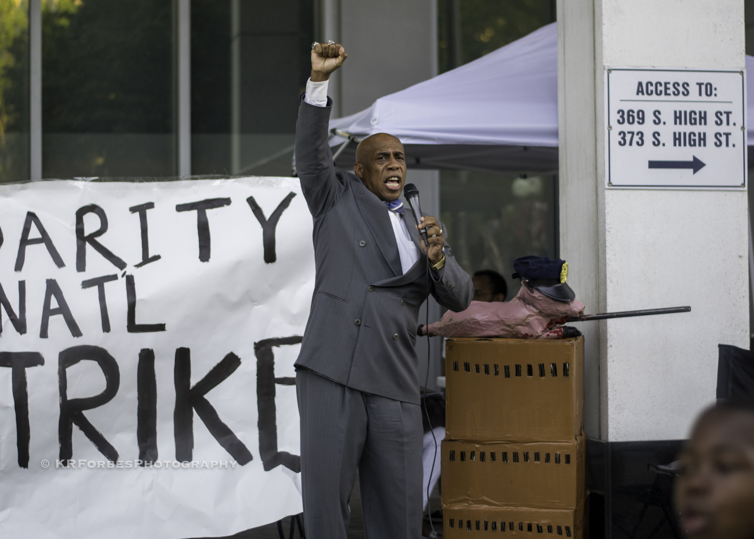Lionel Muhammad, wrongfully imprisoned for over 23 years, addresses the crowd gathered at the Franklin County courthouse.
