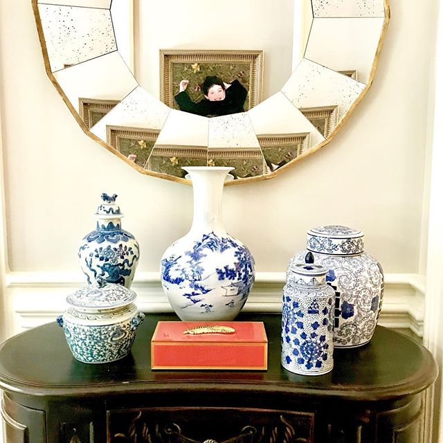 Blue and White is in the house! : : #Blueandwhite #rinanorwooddesign #nashvillelifestyles #lakenormaninteriors #nashvilleinteriors #charlottedesigner #instalove #interiordesigner #creatingspaceswithyouinmind  #creativityatwork #interiors #architecture #decor #theworldofinteriors #art #homeinteriors #lux #homedesign #homestyle #nashville #charlotte#homedecor #vogueliving #followme