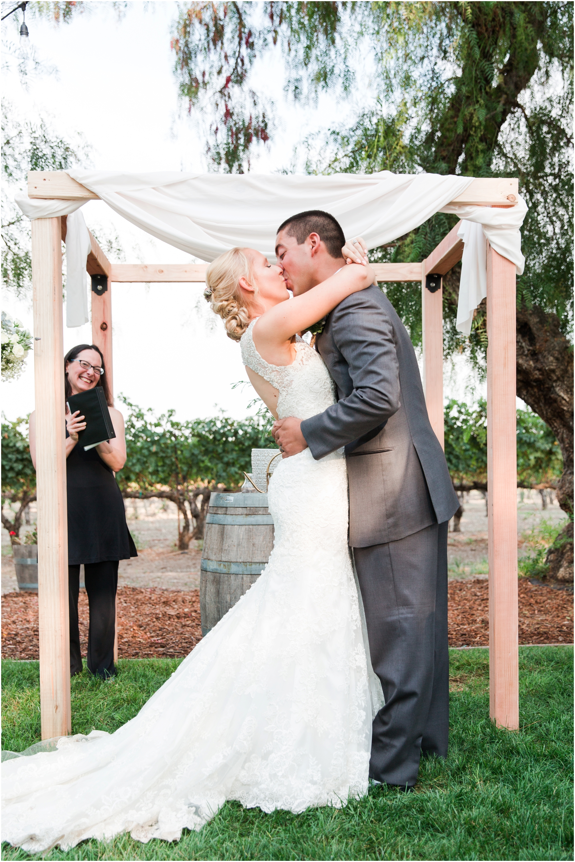 Retzlaff Winery wedding pictures by Briana Calderon Photography_2315.jpg