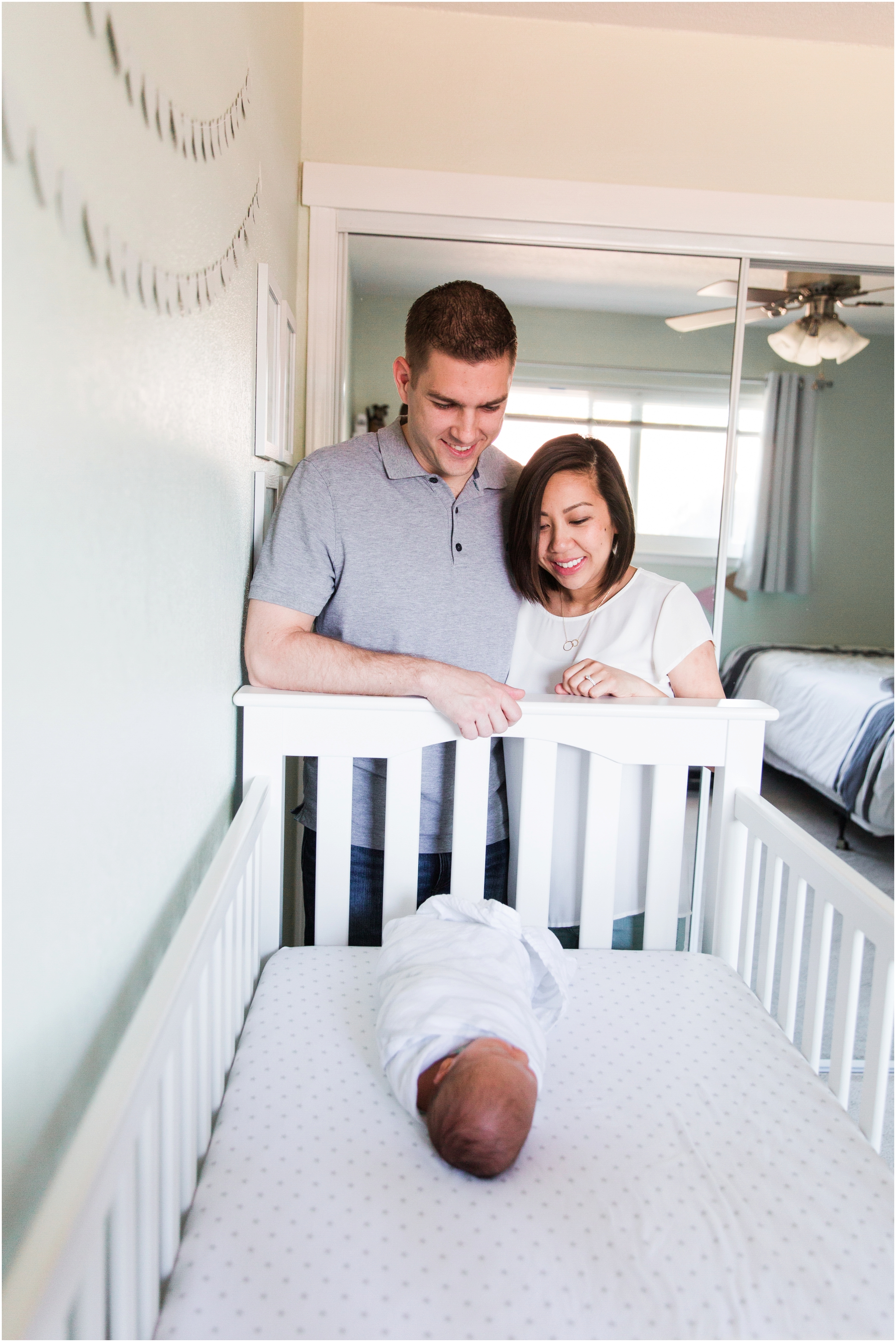Lifestyle newborn pictures at home by Briana Calderon Photography_2415.jpg