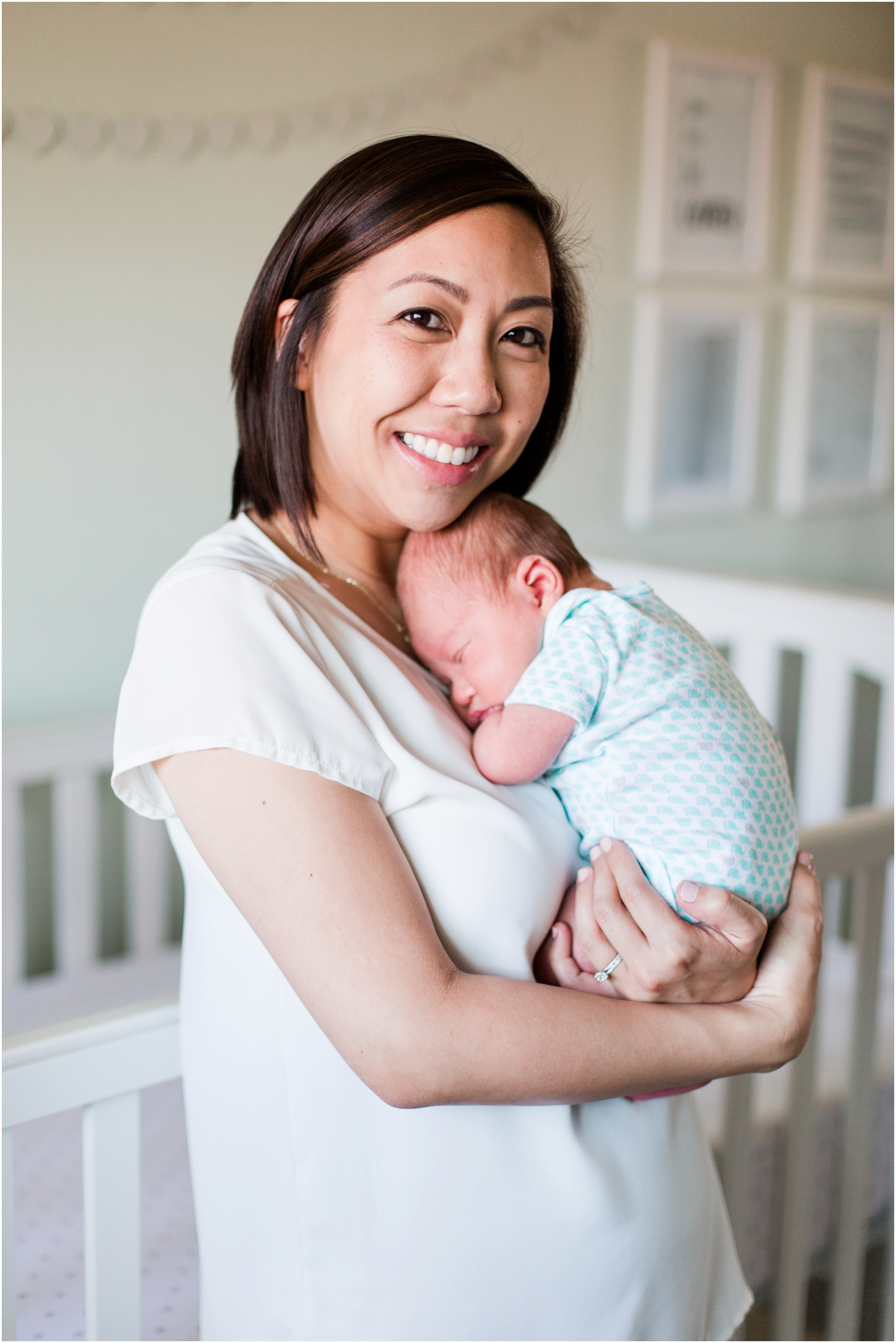 Lifestyle newborn pictures at home by Briana Calderon Photography_2424.jpg
