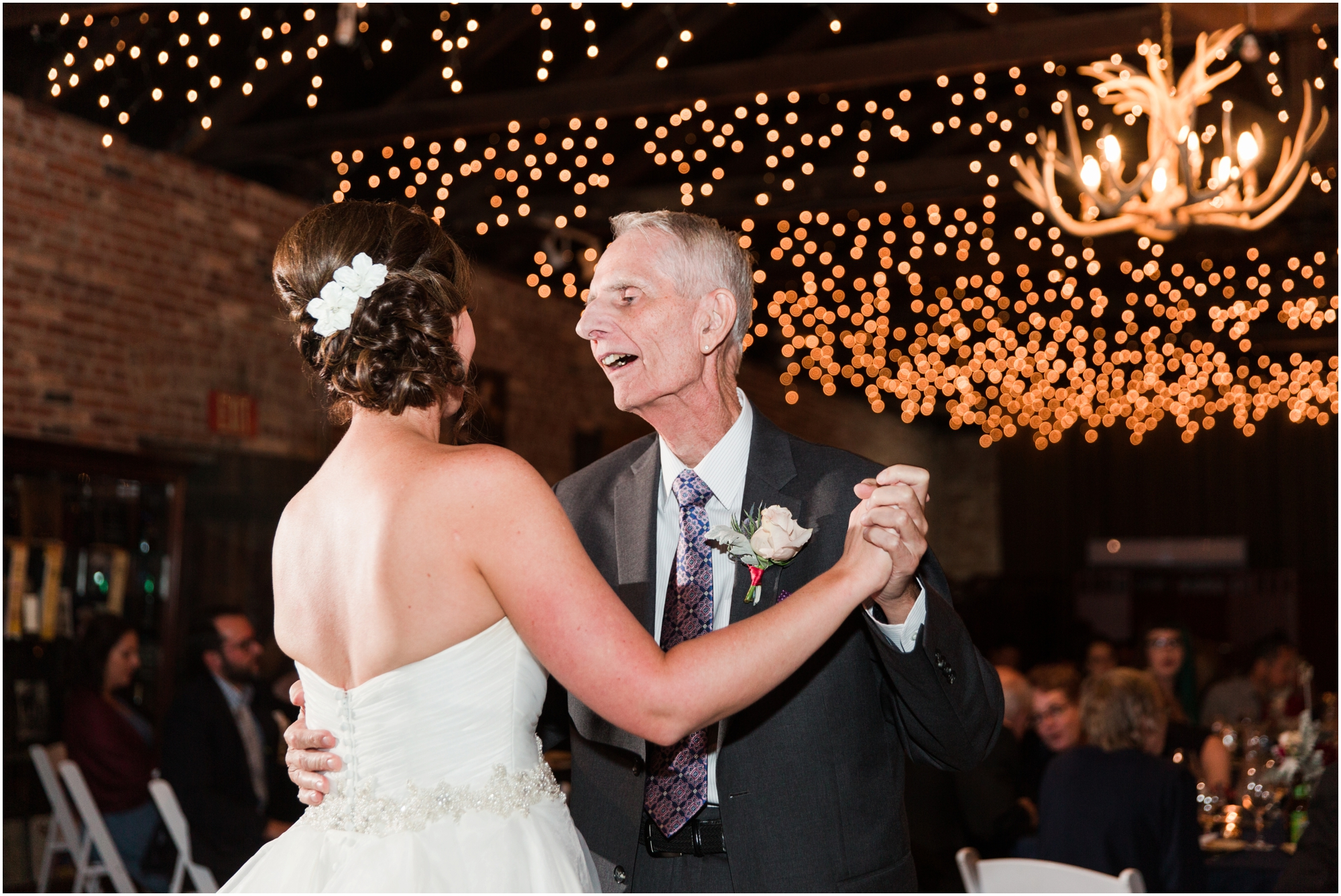 Picchetti Winery wedding pictures by Briana Calderon Photography_0504.jpg