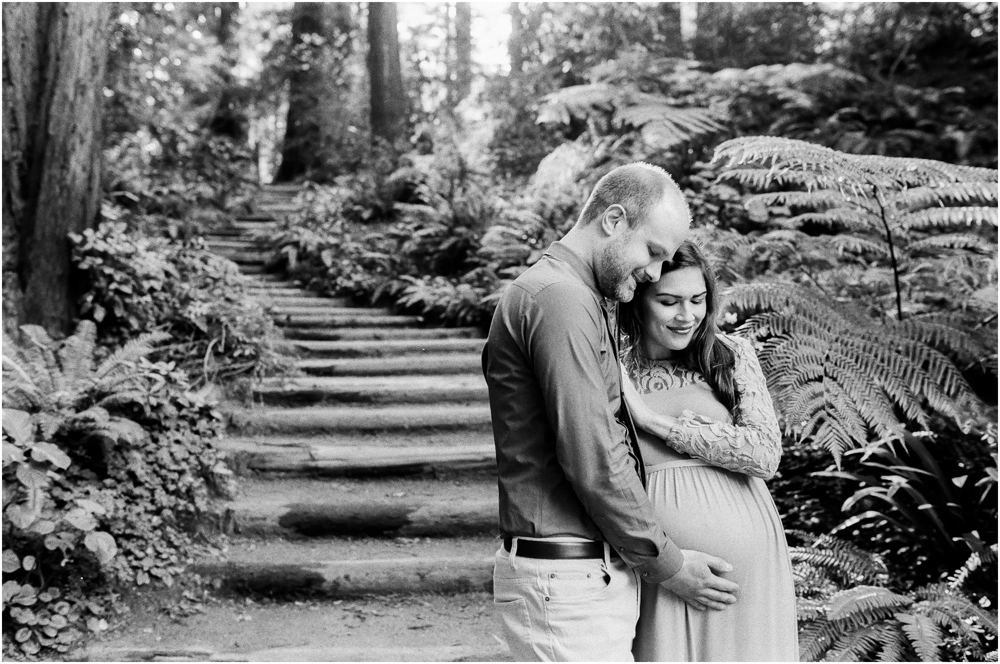 Maternity photos.  Briana Calderon Photography based in Tacoma, WA_0617.jpg