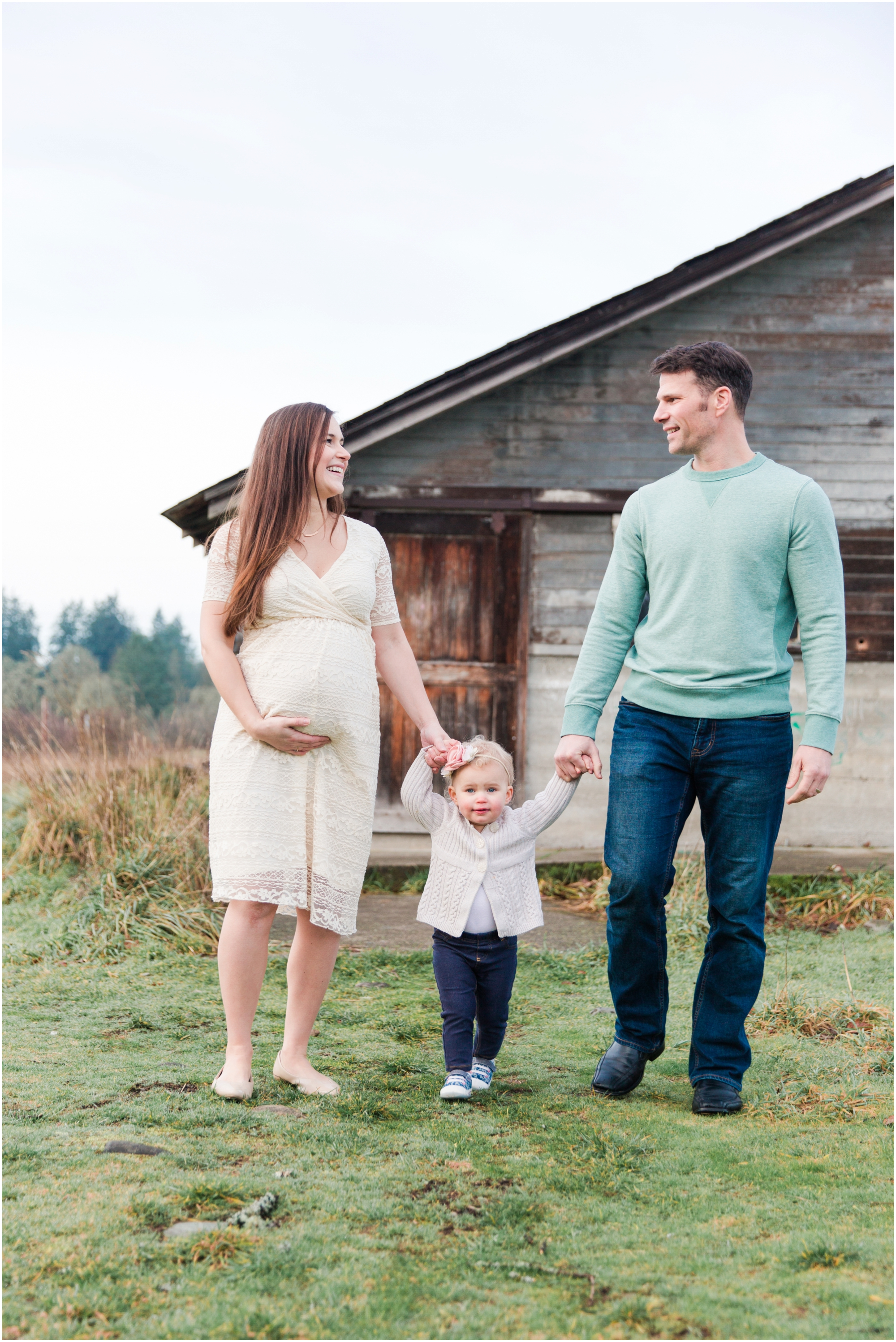 Maternity family photos by Briana Calderon Photography based in the Greater Seattle & Tacoma, WA_1023.jpg