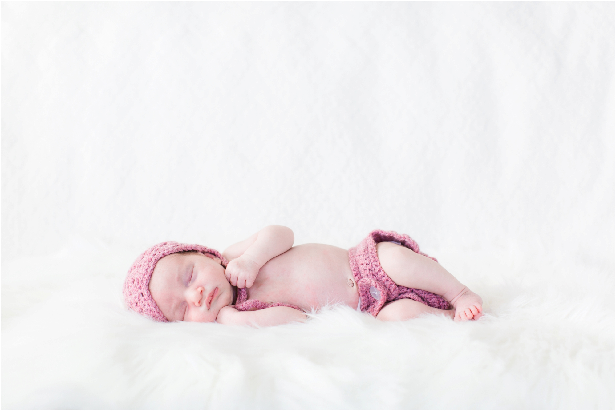 Lifestyle newborn photos by Briana Calderon Photography based in the Greater Seattle & Tacoma, WA_1062.jpg