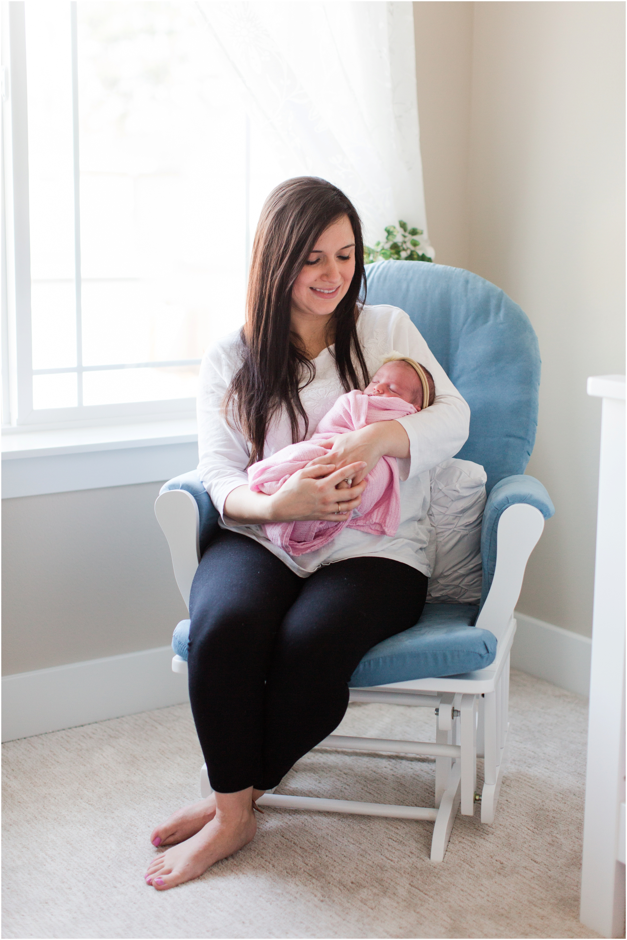Lifestyle newborn photos by Briana Calderon Photography based in the Greater Seattle & Tacoma, WA_1075.jpg