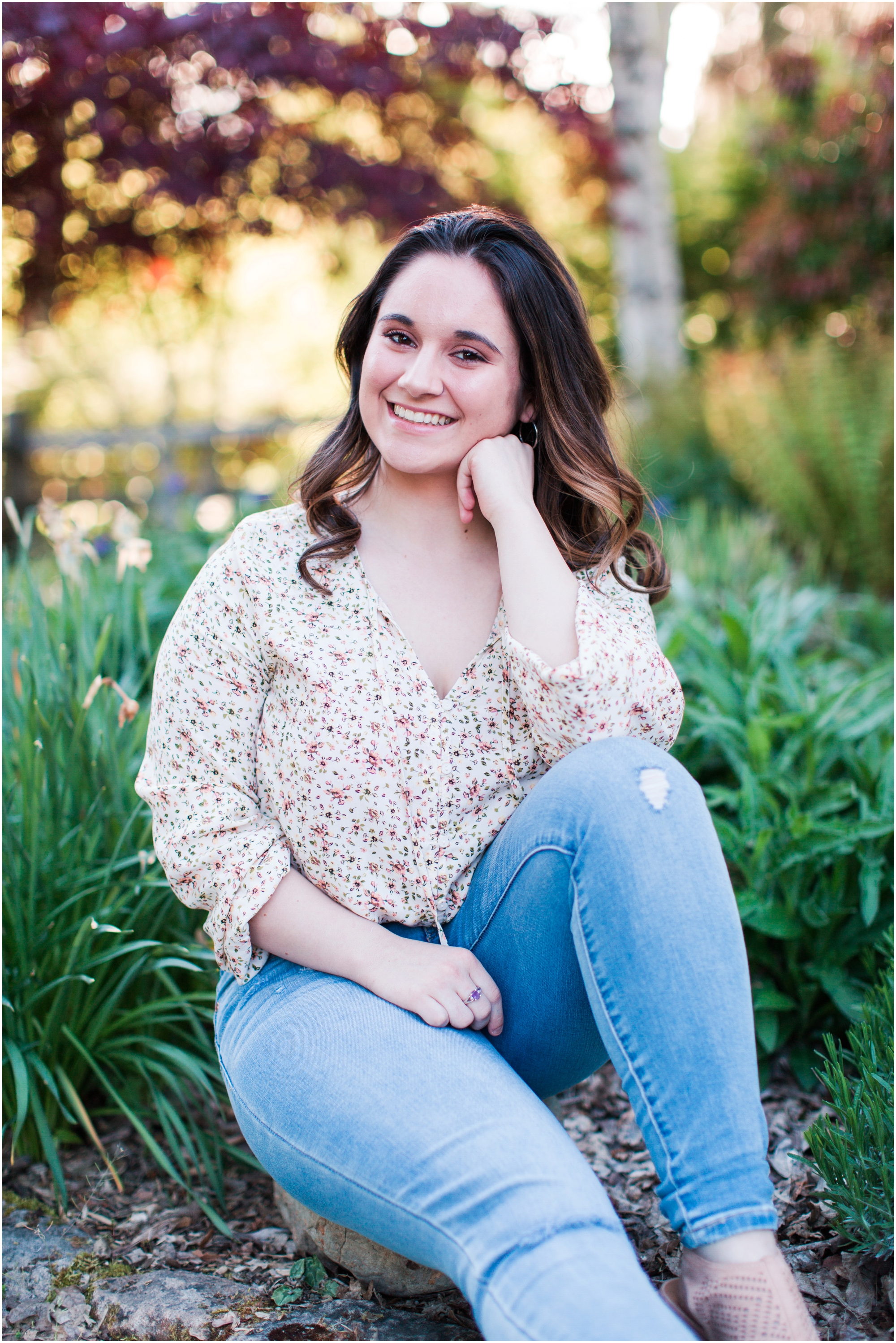 Senior Portraits at Point Defiance Park in Tacoma.  Photos by Briana Calderon Photography based in the greater Seattle Tacoma Area._1111.jpg