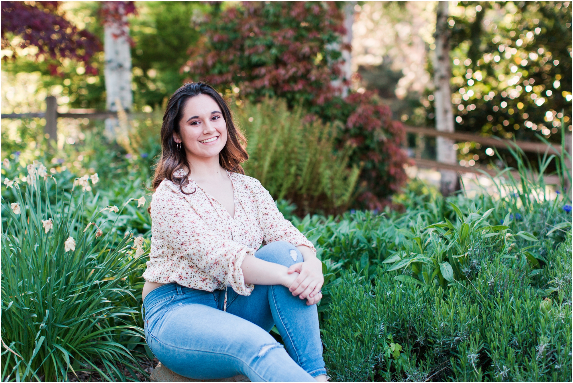Senior Portraits at Point Defiance Park in Tacoma.  Photos by Briana Calderon Photography based in the greater Seattle Tacoma Area._1113.jpg