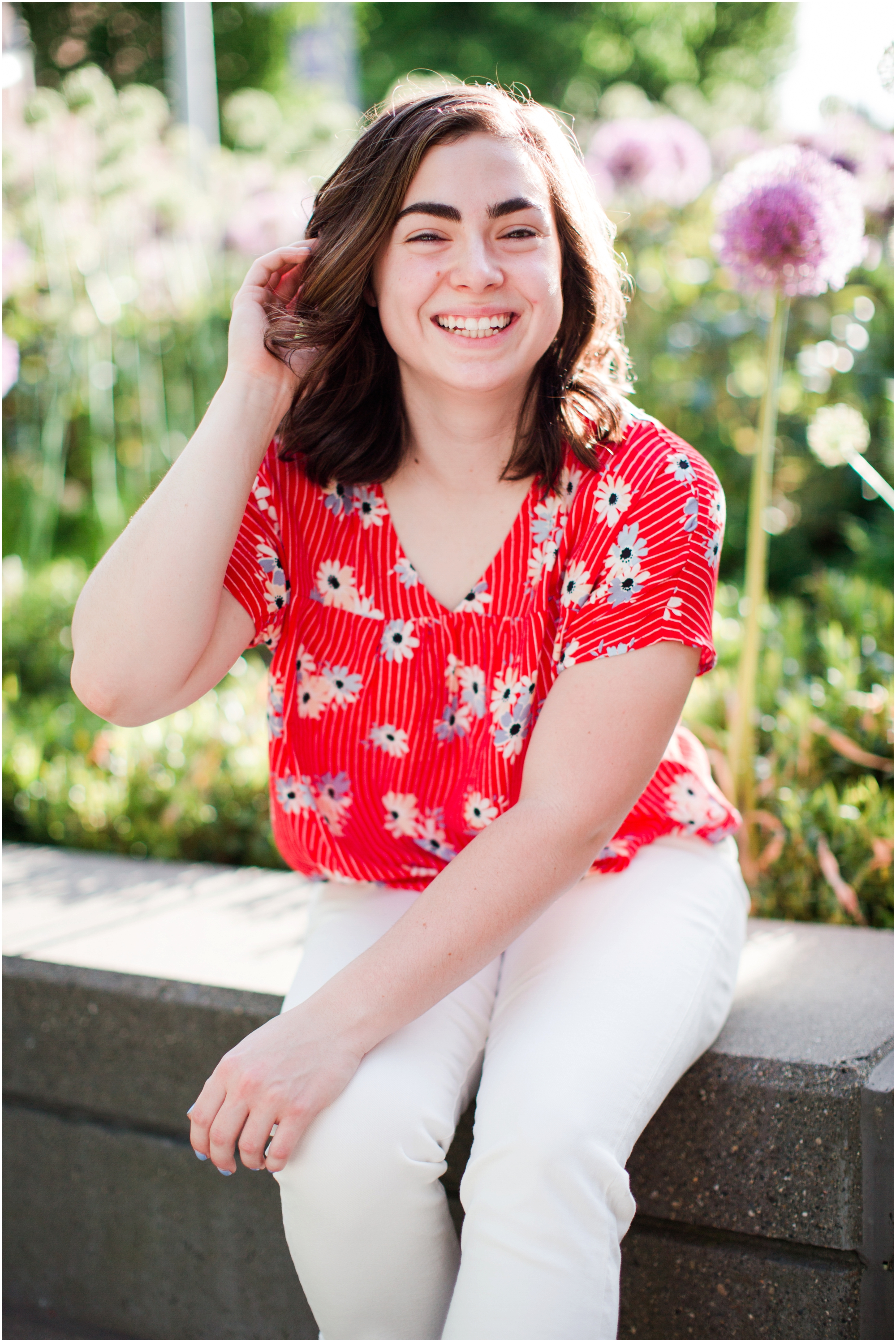 Senior portrait shoot at UW Tacoma campus and Bridge of Glass. Photos by Briana Calderon Photography based in the greater Seattle Area._1230.jpg