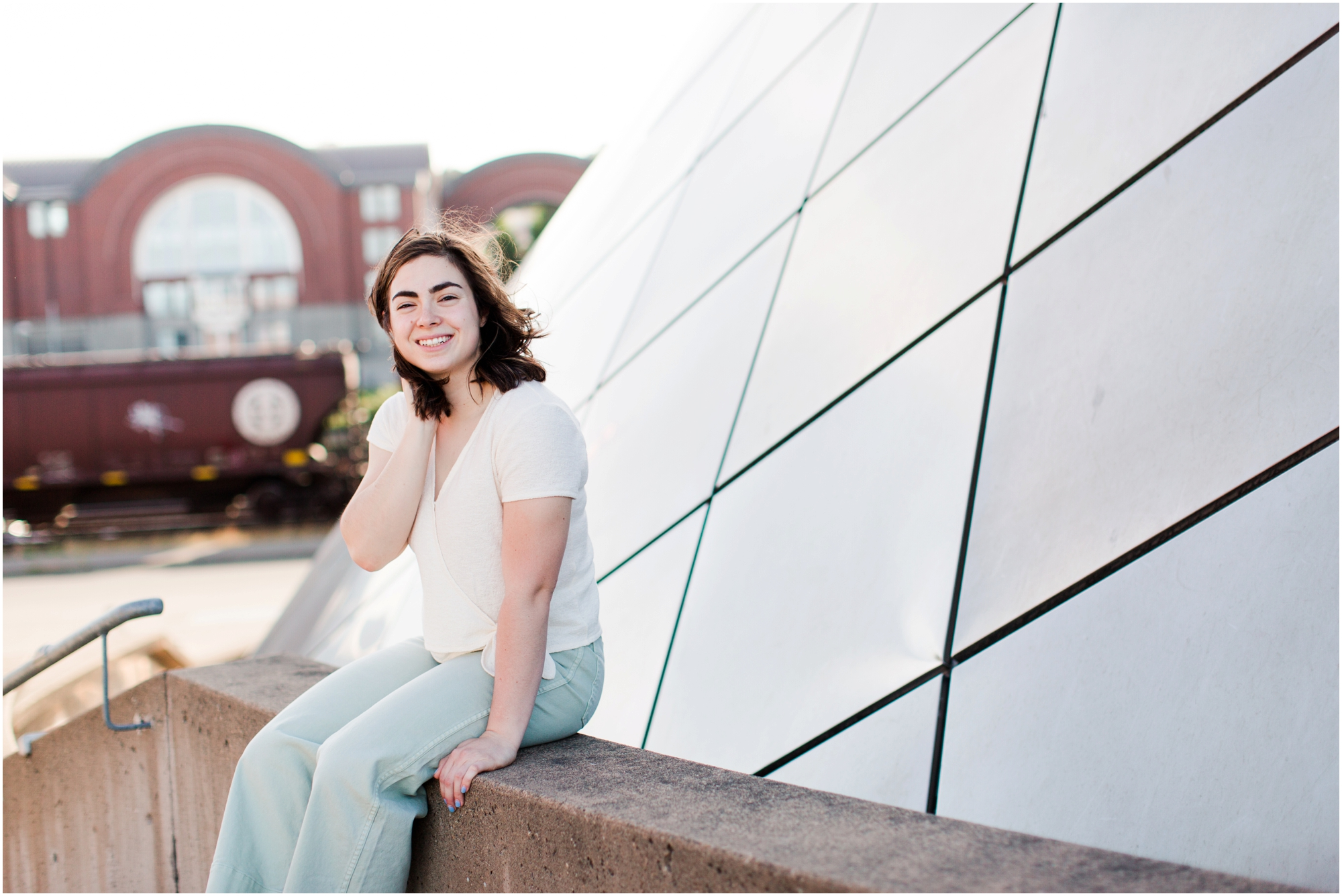 Senior portrait shoot at UW Tacoma campus and Bridge of Glass. Photos by Briana Calderon Photography based in the greater Seattle Area._1234.jpg