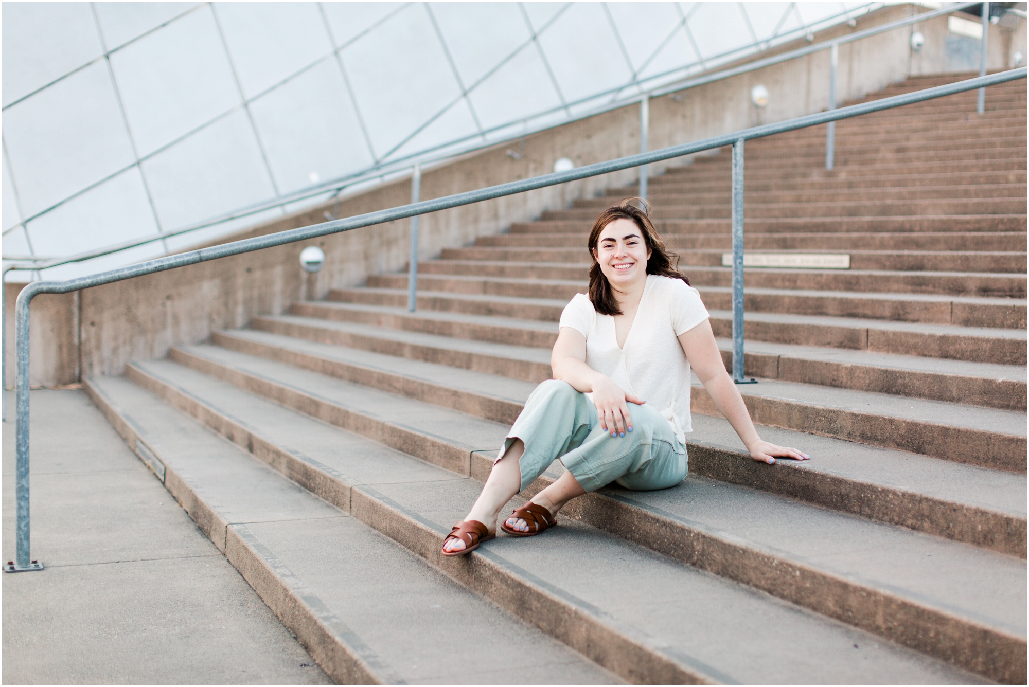 Senior portrait shoot at UW Tacoma campus and Bridge of Glass. Photos by Briana Calderon Photography based in the greater Seattle Area._1239.jpg