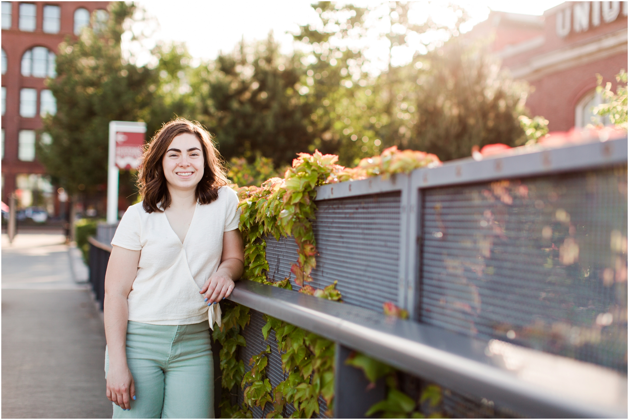 Senior portrait shoot at UW Tacoma campus and Bridge of Glass. Photos by Briana Calderon Photography based in the greater Seattle Area._1243.jpg