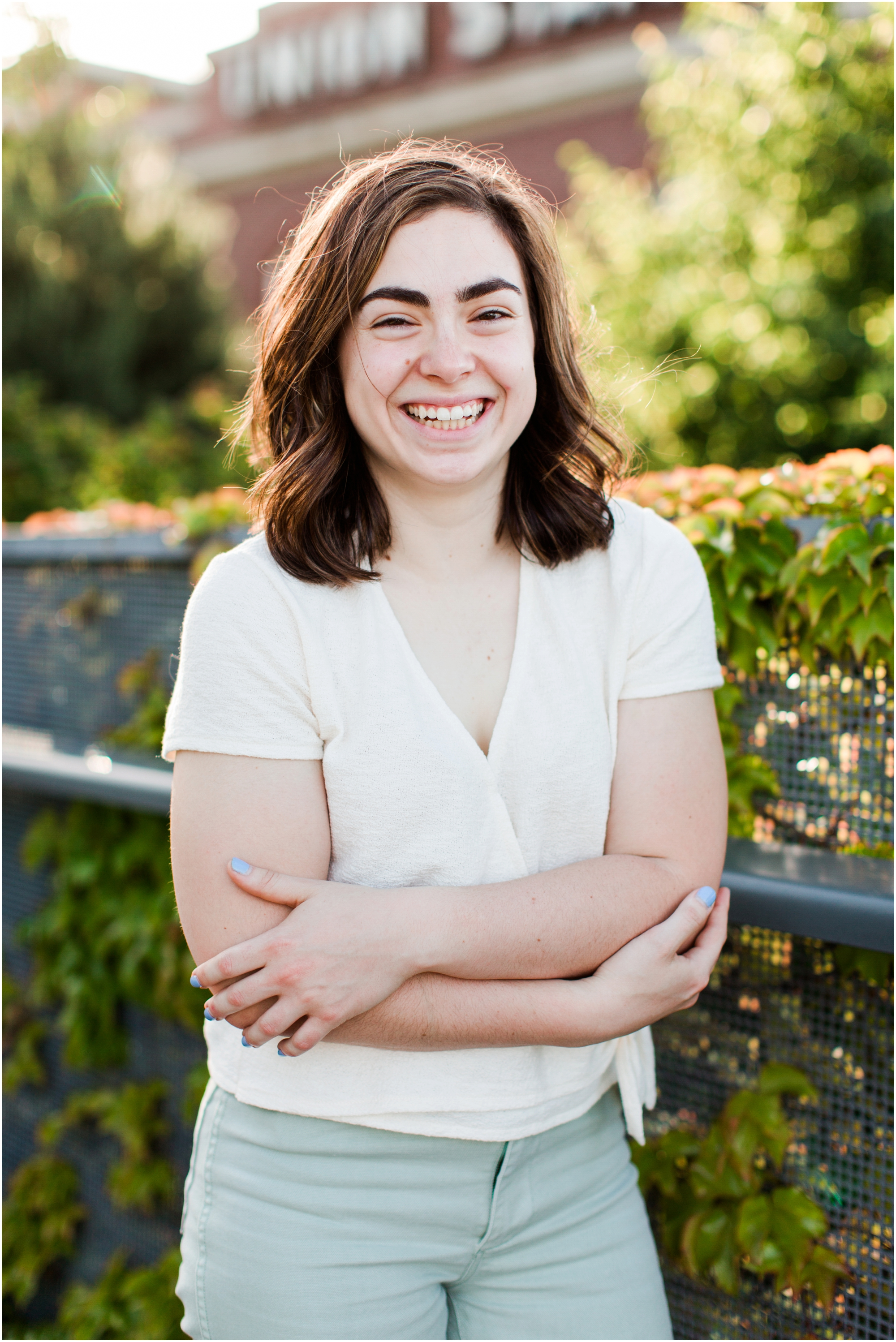 Senior portrait shoot at UW Tacoma campus and Bridge of Glass. Photos by Briana Calderon Photography based in the greater Seattle Area._1242.jpg