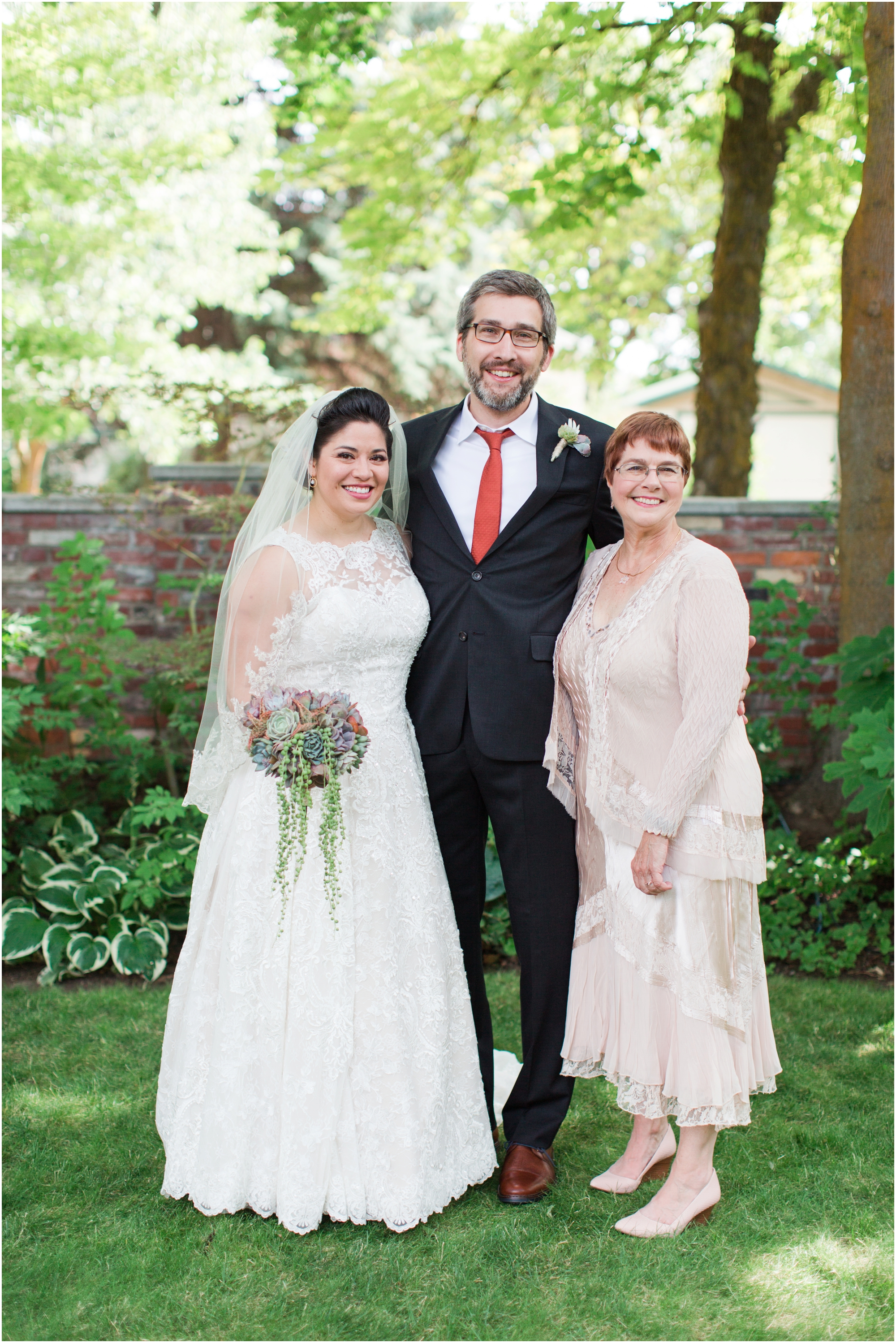 Garden wedding in Ellensburg, WA. Photos by Briana Calderon Photography based in the greater Seattle-Tacoma Area._1329.jpg