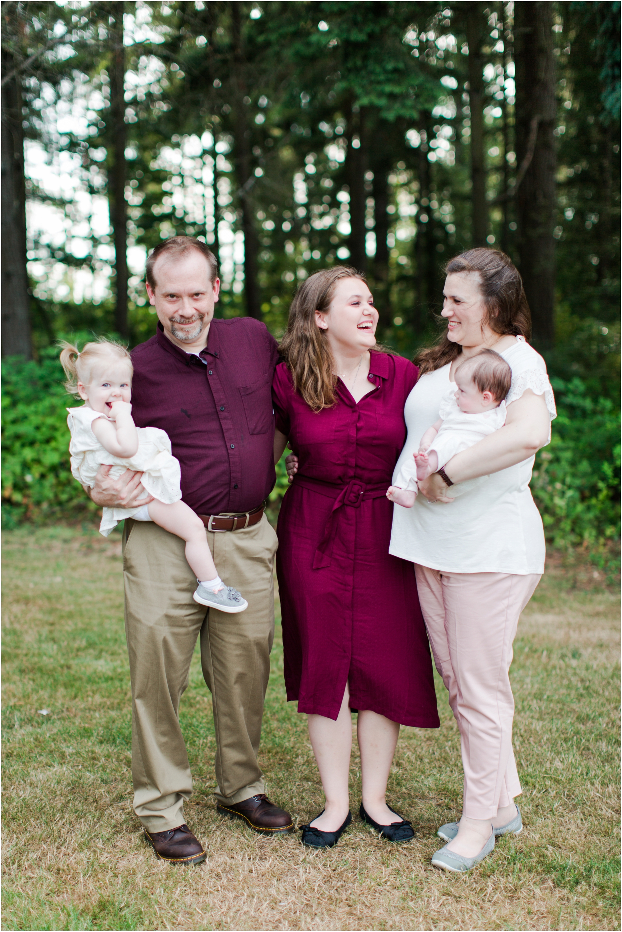 Family portraits at Bradley Lake Park in Puyallup, WA. Photos by Briana Calderon Photography based in the greater Seattle-Tacoma Area._1372.jpg