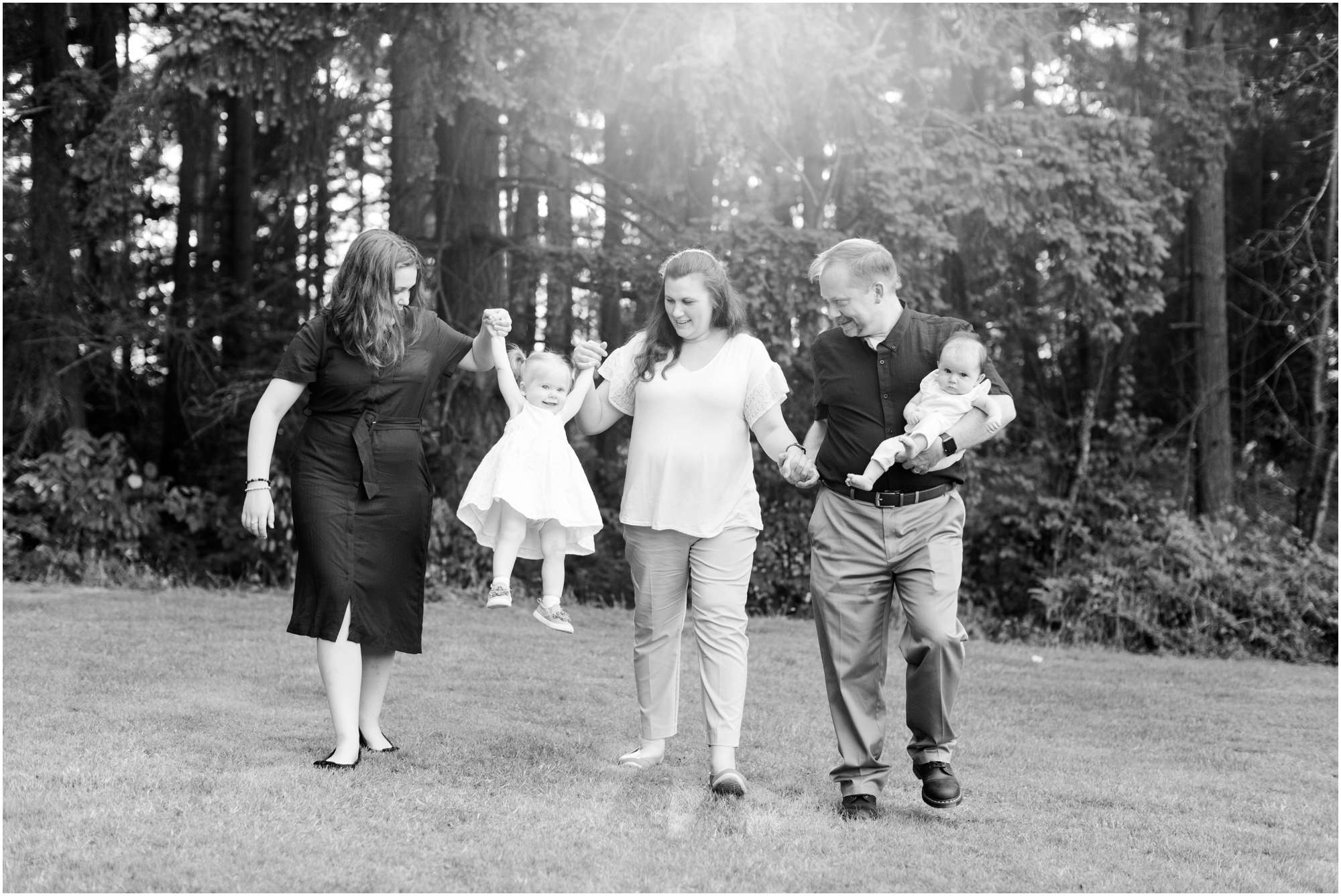 Family portraits at Bradley Lake Park in Puyallup, WA. Photos by Briana Calderon Photography based in the greater Seattle-Tacoma Area._1375.jpg