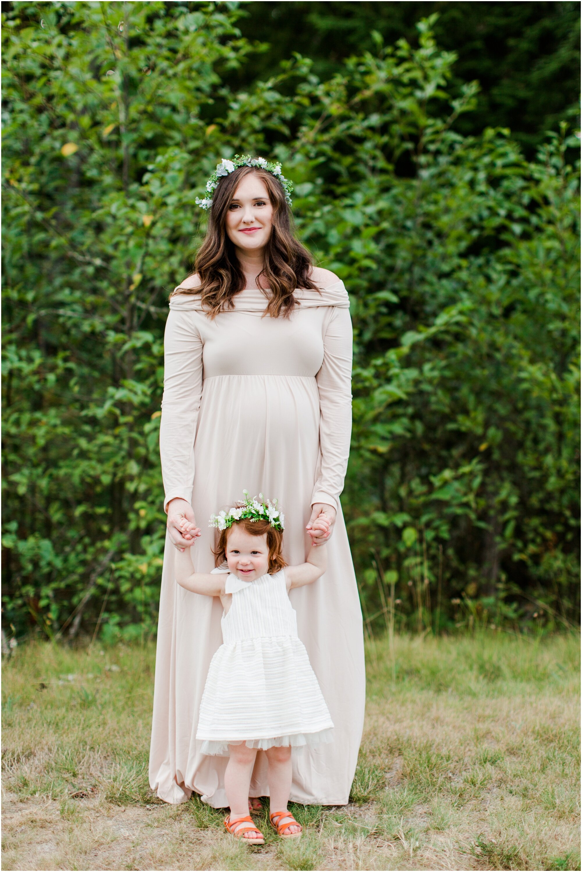 Maternity photos in Tehaleh Bonney Lake, WA. Photos by Briana Calderon Photography based in the greater Seattle-Tacoma Area._1390.jpg