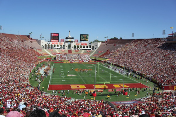 USC-Los-Angeles-Memorial-Coliseum-Day-e1439560429199.jpg