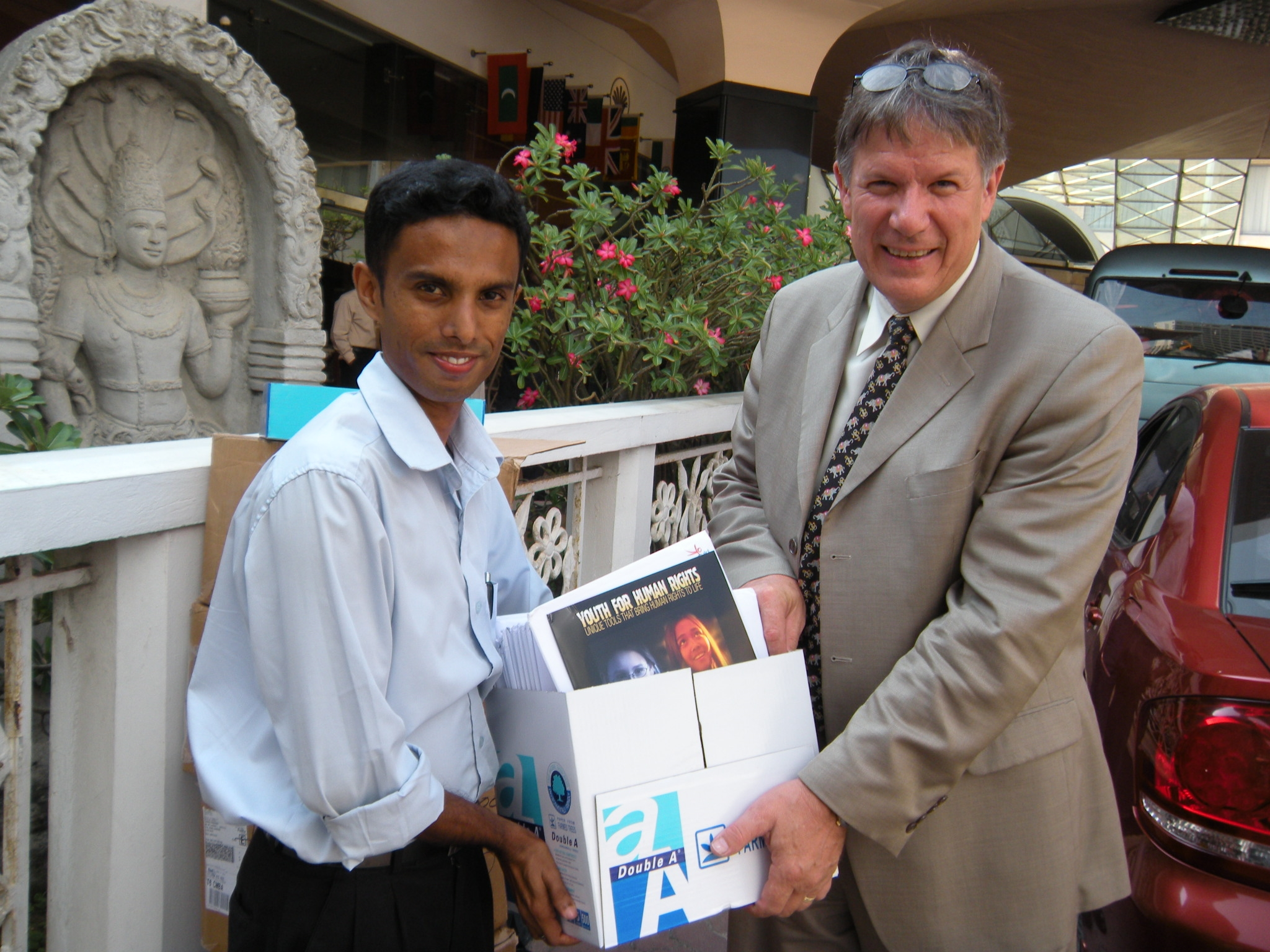 Life before FHFI - our Founder Bruce on the ground in Sri Lanka helping as a volunteer with a Human Rights education program in 2008