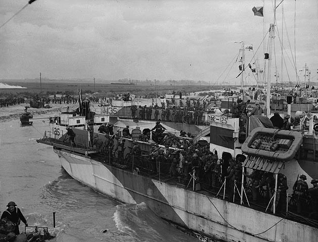 Canadian LCI(L)s going ashore on D-Day.   Credit: Gilbert Alexander Milne / Canada. Dept. of National Defence / Library and Archives Canada / PA-145349