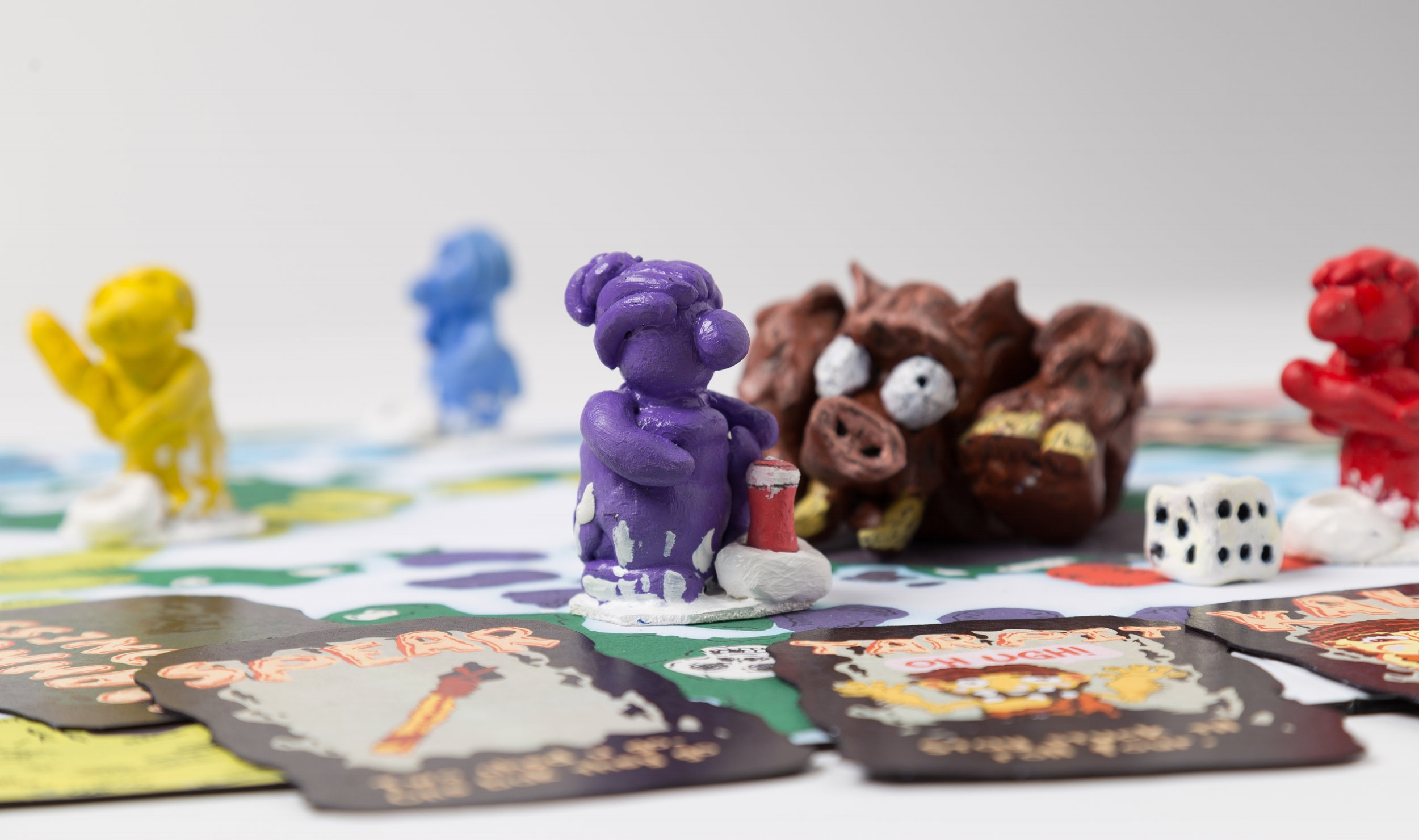 Up to four players can participate. Each player is represented by a colorful cave dweller.