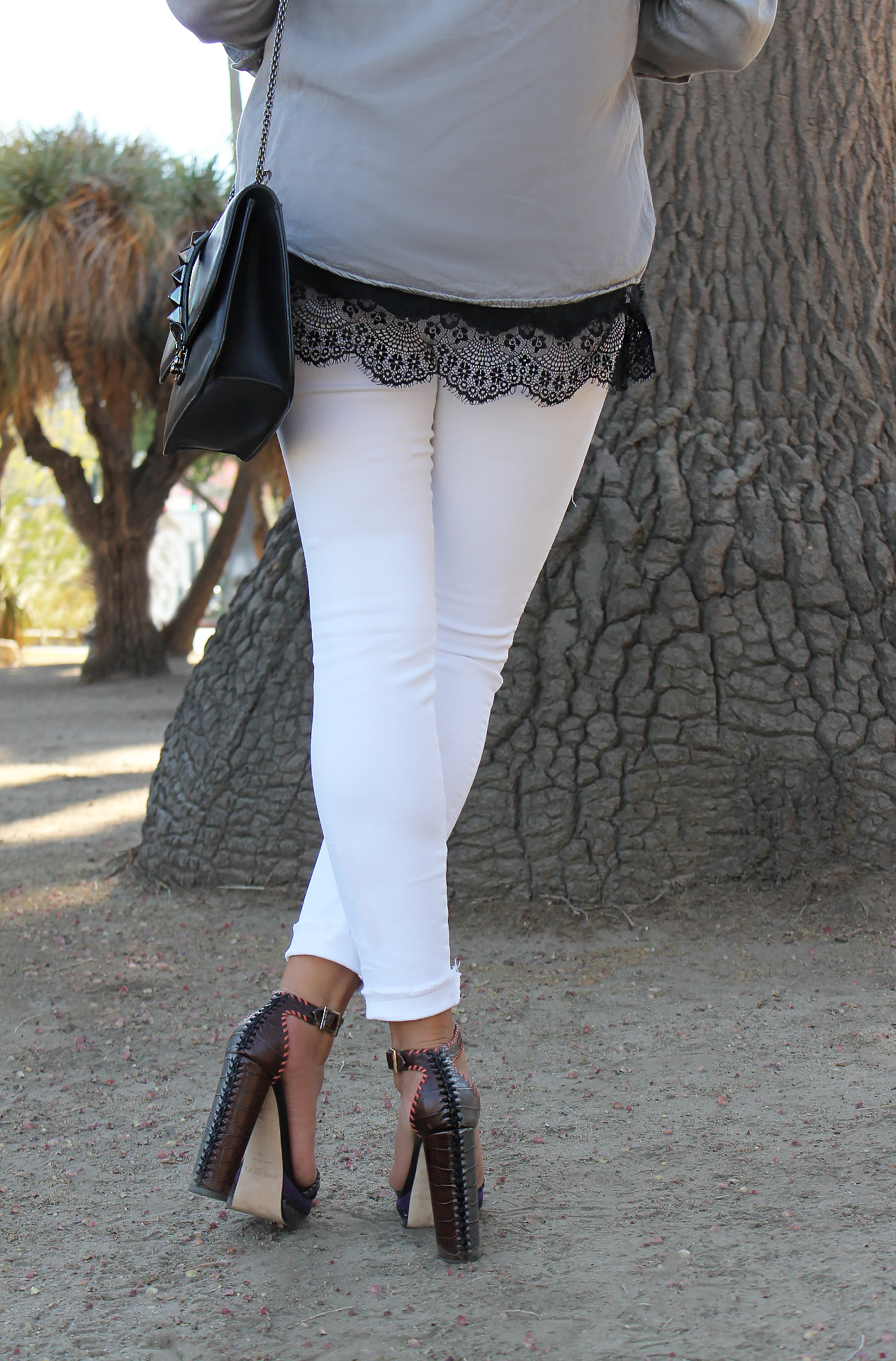 mel-ronnie-jimmy-choo-game-grey-top-lace-cami-black-white-denim-jeans-outfit-valentino-rockstud-bag-2.jpg