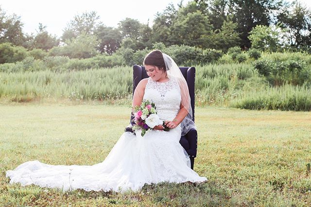 The greenery behind Old Towne is picture perfect. 🌟 Venue: Old Towne Event Center  Flowers: Heaven's Scent  Photographer: Illuminate Photography  Model: Kelsey Prewitt