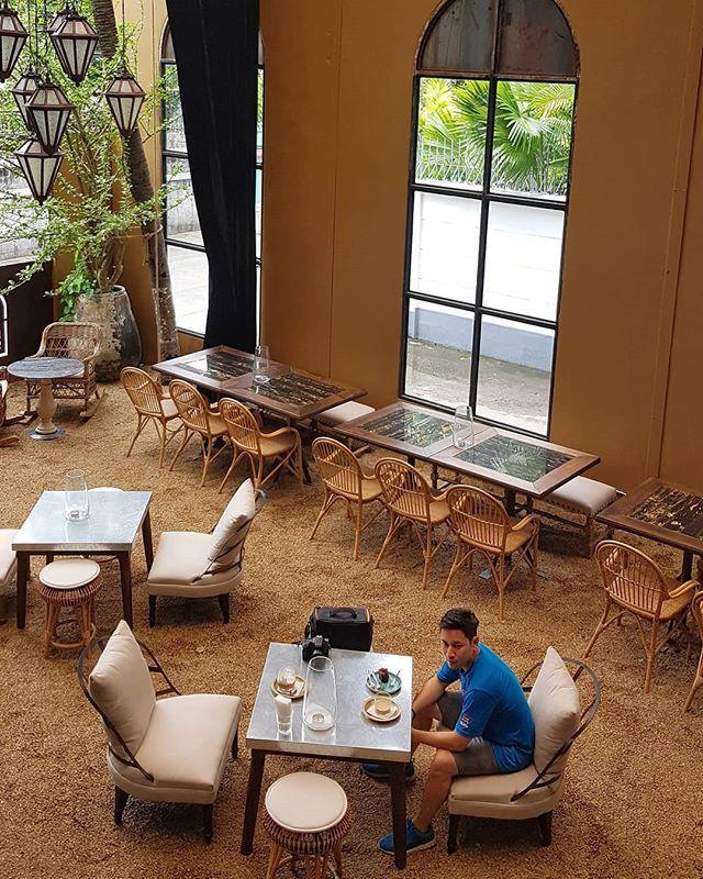 #bangkokcafehopping #blacksmithari #hangoutbkk #cafebkk #nikkitourguide #bangkokrestaurant #bkkrestaurant